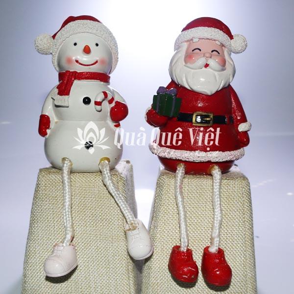 Ông Bà Già Noel Bằng Đá