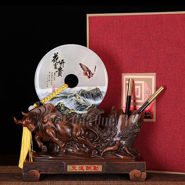 Trâu Phong Thủy Cổng Đồng Tiền Ngọc, Biểu Trưng Sức Mạnh và Tài Lộc